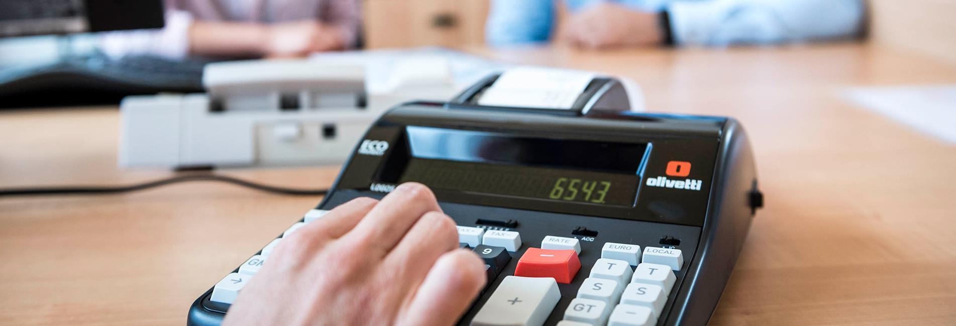 Calculation Exceeding sales threshold in Italy & EU